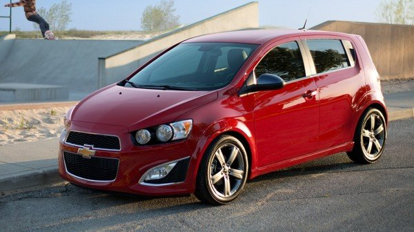 chevrolet-sonic-rs-4_600x0w